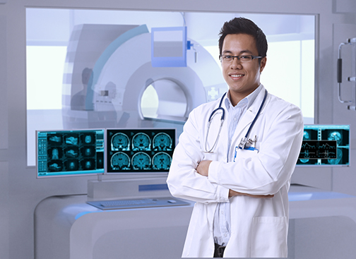 diagnostic radiologist in MRI room